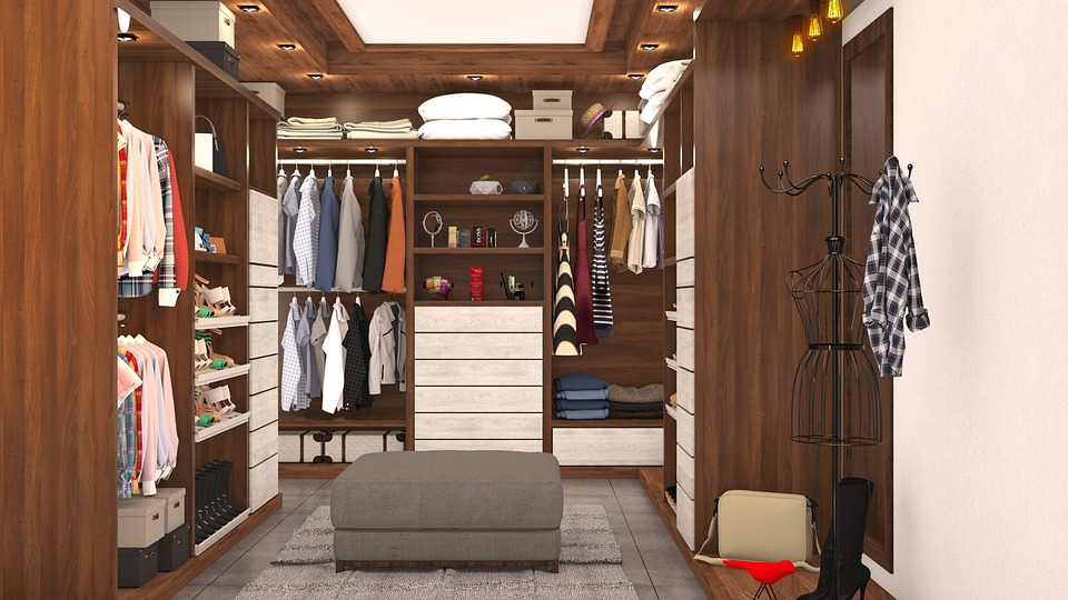 dřevěné skříně