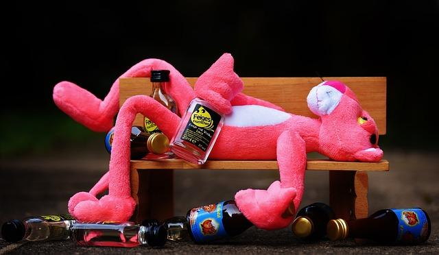 růžový panter s alkoholem